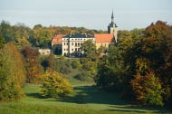 Schloss Ettersburg. Herbstlich. Bild: Axel Clemens.