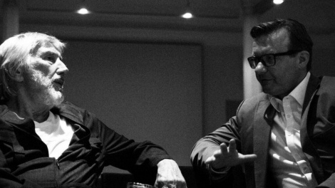 "Last act 2019. Christian Brückner (l.) nach seiner Lesung (Texte aus dem ""Geheimen Deutschland"") am 23. Juni. Nach dem Festival ist vor dem Festival. Bild: Andi Materiell."